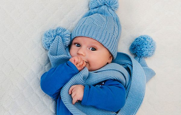 """Quy tắc """"4 ấm 1 lạnh"""" bảo vệ sức khỏe bé suốt mùa đông"""