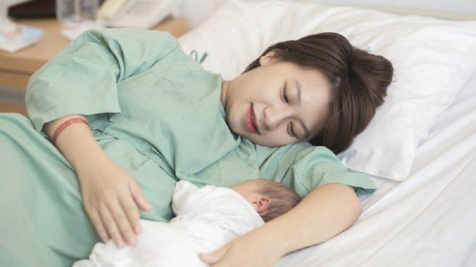 Hướng-dẫn-chăm-sóc-cơ-thể-mẹ-sau-sinh-chuyện-mang-thai-và-làm-mẹ-bluecare