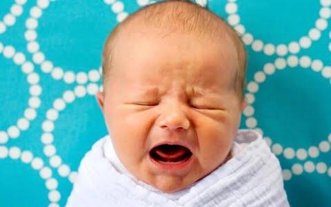 4-thói-quen-xấu-của-cha-mẹ-khiến-sức-đề-kháng-của-trẻ-giảm-đi-đáng-kể-bảo-sao-cứ-trở-trời-là-trẻ-ốm-bluecare0
