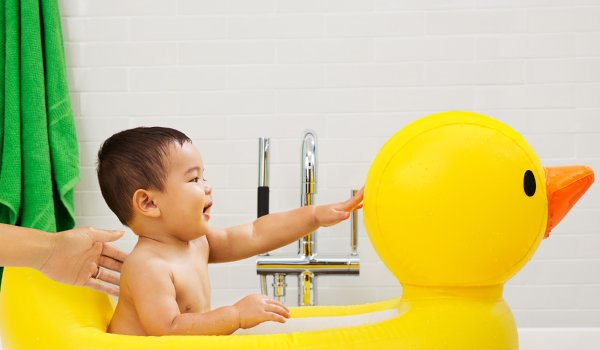 Review top 10 loại chậu tắm cho trẻ sơ sinh